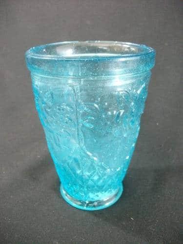 Copo Em Vidro Ricamente Trabalhado Na Tonalidade Azul 1