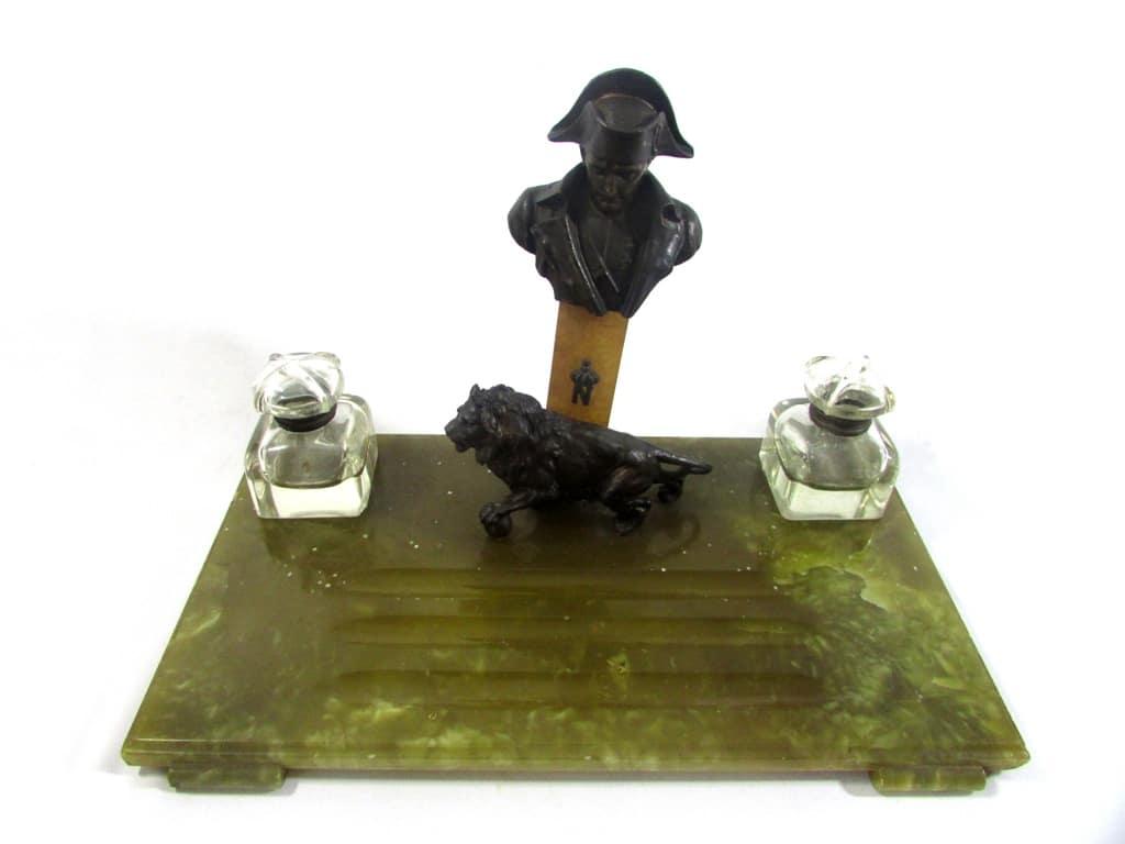 Tinteiro Em Alabastro Com Esculturas Em Bronze